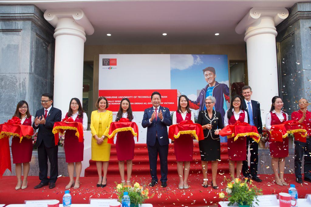 Swinburnevietnamlaunching1